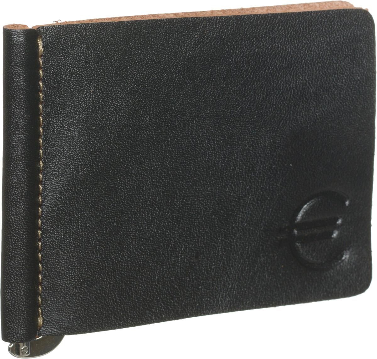 Зажим для купюр мужской Fabula Kansas, цвет: черный. Z.7.TXFBM8434-58AEЗажим для купюр Fabula из коллекции Kansas выполнен в толстой винтажной коже, оформлен контрастной отделочной строчкой и тиснением знак евро.Изделие раскладывается пополам, на внутреннем развороте удобный металлический зажим для купюр.Зажим для купюр упакован в коробку из плотного картона с логотипом фирмы.Этот практичный зажим для купюр непременно подойдет к вашему образу, а также порадует вас своей простотой, стилем и функциональностью.