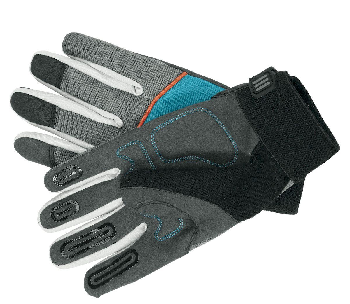 Перчатки Gardena для работы с инструментом. Размер 8FS-80423Перчатки Gardena обеспечат надежный захват инструмента и удержание в руке. Инновационное покрытие области пальцев гарантирует отсутствие скольжения инструмента в руках во время работы. Амортизирующие вставки в области ладони создают приятный комфорт - в особенности, когда необходимо уменьшить воздействие, создаваемое механическим садовым инструментом или техникой с двигателем. Специально разработанный покрой области пальца оптимизирует посадку на руке, обеспечивает безопасное удерживание инструмента и увеличивает срок службы перчаток. Особенно, если вы работаете с топором, ножницами для обрезки живой изгороди или сучкорезом. В целом перчатки изготовлены из специального, дышащего тканевого материала, который предотвращает запотевание рук. Если же вы начинаете потеть во время работы, то всегда сможете комфортно вытереть пот с лица благодаря наличию на большом пальце вставки из мягкого материала (специально для этих целей). Прочная манжета на запястье регулируется и защищает от грязи и травм.