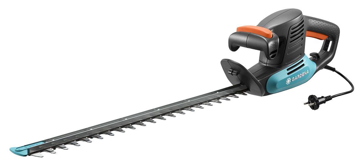 Ножницы электрические для живой изгороди Gardena EasyCut 500/55BH0119-RНожницы электрические для живой изгороди Gardena EasyCut 500/55 прекрасно подходят для удобной стрижки средних живых изгородей. Благодаря рукоятке эргономичной формы ножницы удобно лежат в руке. Большая кнопка запуска позволяет легко и безопасно включить инструмент в любой ситуации. Оптимизированная геометрия лезвий гарантирует эффективную, быструю и чистую обрезку. Кроме того, она обеспечивает плавность работы при низком уровне вибрации и дает возможность прилагать меньше усилий. Щиток на конце лезвия оберегает пользователя от отдачи при обрезке близко к поверхности земли, обеспечивая безопасность работы. Напряжение - 230 В; Номинальная мощность - 500 Вт; Длина ножа - 55 см; Расстояние между лезвиями - 18 мм; Масса ножниц - 2,78 кг; Гарантированная мощность звука, дБ(А) - 97 дБ (A); Вибрация (ah) - 3,049 м/с2.
