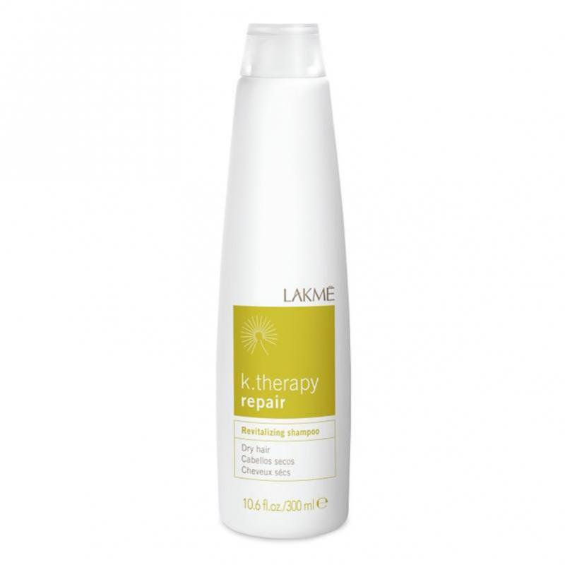 Lakme Шампунь восстанавливающий для сухих волос Revitalizing Shampoo Dry Hair, 300 млFS-00897Ассортимент специально разработанных продуктов для сухих и очень сухих волос.Состояние волос: сухие, пористые и поврежденные волосыВ состав шампуня входит гидратированный сахарный комплекс, который обеспечивает длительный увлажняющий эффект. Водомасленный комплекс растений Бабассу и Макадамия (произрастающих в Бразилии) предотвращает обезвоживание и защищает волосы, обеспечивая питание и блеск. Содержит концентрат ледниковой воды, богатой минералами и олиго-элементами, которые естественным образом смягчают и защищают кожу головы. Благодаря мягкому воздействию подходит для ежедневного использования.Прошел дерматологический контроль