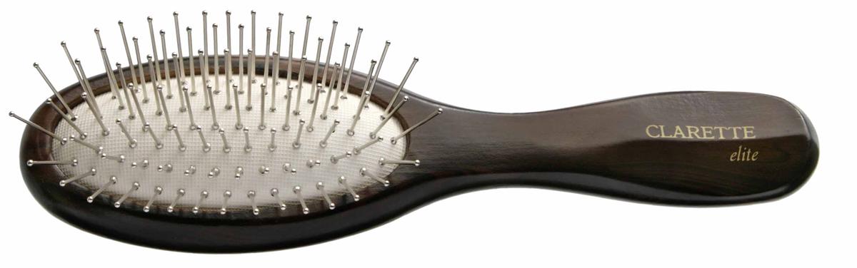 Clarette Щетка для волос на подушке с металлическими зубцами компакт, цвет: коричневый4809500110Clarette Elite представляет серию Шоколад. Это интересная коллекция инструментов по уходу за волосами. Она несомненно понравится покупателям, которые ценят стиль и качество. Инструменты Коллекции изготовлены из натурального дерева, имеющего оригинальный окрас. Благодаря мягкости подушки, идеально подходит для расчесывания тонких, ослабленных волос. Металлические зубья с массажными шариками на концах обеспечивают деликатный массаж кожи головы, стимулируя рост волос. Уникальная форма мет. зубьев защищает их от продавливания, тем самым увеличивая срок службы щетки. Компактный размер щетки делает ее удобной в дороге. Легко помещается в дамской сумочке. Инструменты предназначены как для домашнего, так и для профессионального использования.