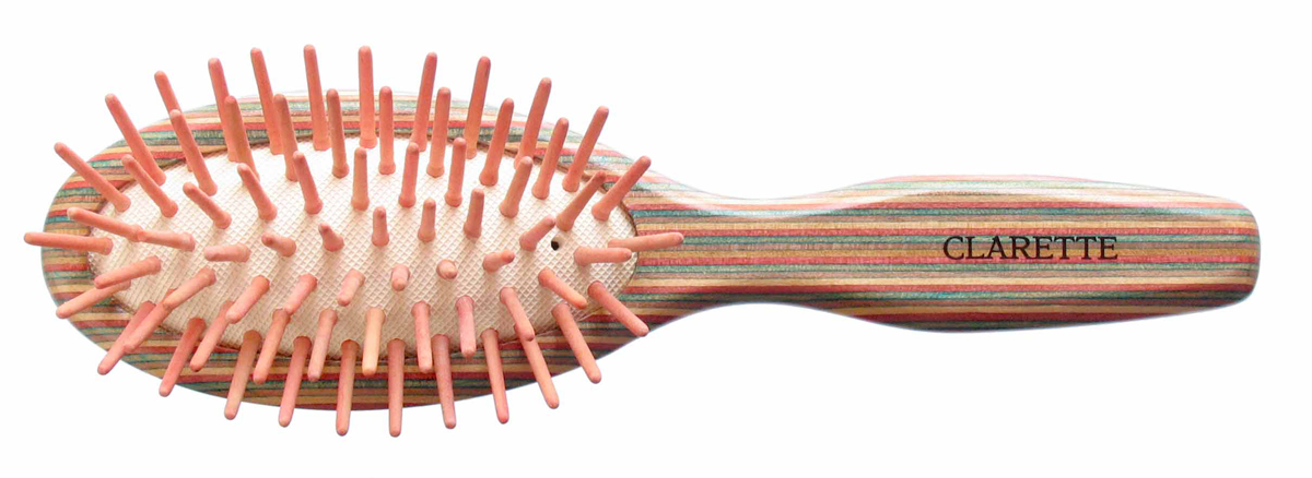 Clarette Щетка для волос массажная на подушке малая, цвет: красныйSatin Hair 7 BR730MNClarette представляет эксклюзивную коллекцию инструментов по уходу за волосами из натурального дерева. Коллекция Clarette Цветное дерево-это расчески и щетки для волос из натурального дерева. Коллекция выполнена в оригинальной радужной цветовой гамме по специальной технологии. Окрашенная в различные цвета, основа щетки, как бы повторяет структуру натурального дерева в срезе. Это делает коллекцию яркой и неповторимой. Щетка с натуральными, деревянными зубьями бережно ухаживает за волосами, не повреждая их структуру. Компактный размер щетки делает ее удобной в дороге. Легко помещается в дамской сумочке