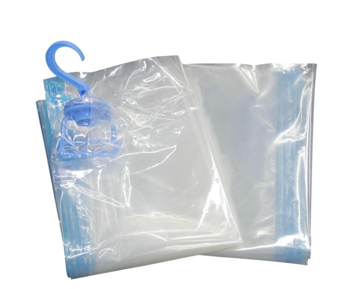 Вакуумный пакет HomeMaster, цвет: прозрачный, 70 х 105 х 1 смRG-D31SВакуумный подвесной компрессионный чехол предназначен для компактного хранения и транспортировки постельного белья, одежды, мягких игрушек. Позволяет уменьшить объём занимаемого пространства на 80%. Работает со всеми видами пылесосов. Вакуумный пакет позволяет защитить находящуюся в нём вещь от воды, грязи, пыли, насекомых, плесени, запаха. Вакуумный чехол применяется для любого вида ткани и материала. Пакеты изготовлены из полиэтилена высокой плотности.
