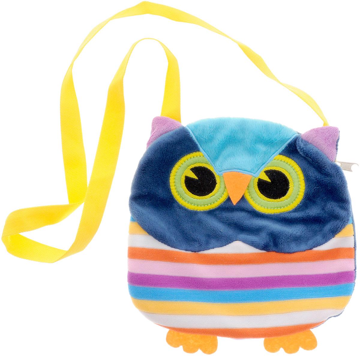 Fancy Сумка детская Сова730396Детская сумка Fancy Сова обязательно понравится каждой маленькой моднице. Сумочка выполнена в виде яркой полосатой совы и декорирована ушками, лапками и милой мордочкой с вышитыми глазками. Сумка изготовлена из мягкого ворсового трикотажа. Сумка имеет одно отделение, которое закрывается на пластиковую молнию с металлическим бегунком. Сумка имеет длинную лямку для ношения на плече. Порадуйте свою малышку таким замечательным подарком!