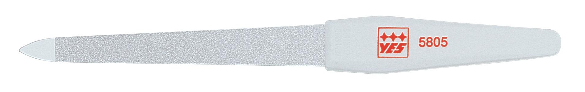 Becker-Manicure YES Пилочка 15см. 95805FA-8115-1 White/greyПилочка для ногтей изготовлена из высокоуглеродистой стали. Пилочка имеет двухстороннее сапфировое напыление: более крупное с одной стороны для формирования формы и мелкое с другой для завершения шлифовки ногтя. Длина пилочки 15 см.Хранить в сухом недоступном для детей месте. Замена изделия не осуществляется в следующих случаях:- Использование не по назначению- Самостоятельный ремонт- Нарушение условий хранения