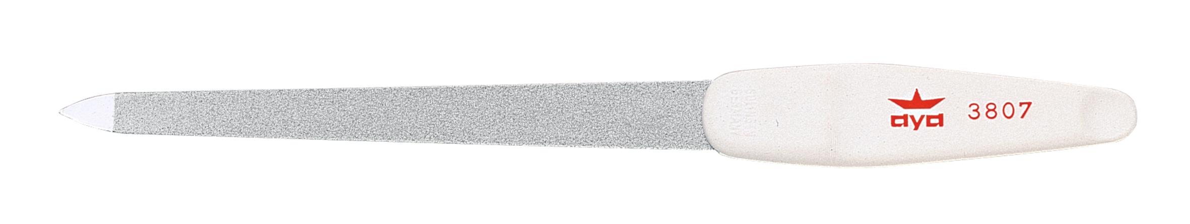 Becker-Manicure AYA Пилочка для ногтей 18см. 9380726102025Пилочка двусторонняя, с одной стороны сапфировое напыление более крупное для придания ногтю формы, с другой более мелкое для завершения шлифовки ногтя.Длина пилочки 18 смХранить в сухом недоступном для детей месте.Срок годности не ограничен.Замена изделия не осуществляется в следующих случаях:- Использование не по назначению- Самостоятельный ремонт- Нарушение условий хранения
