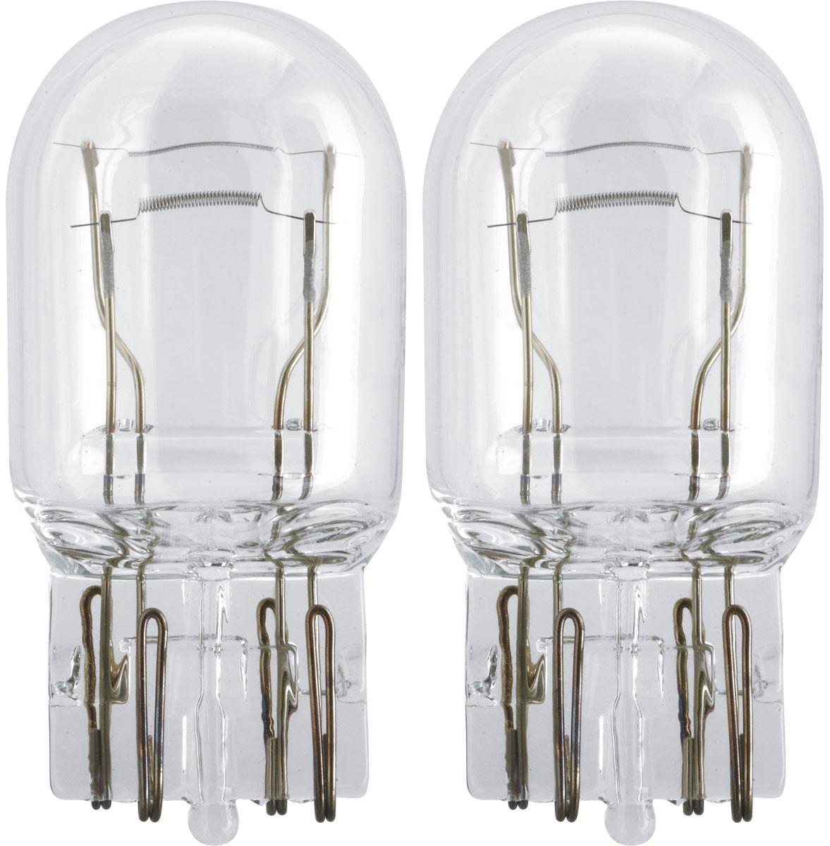 Лампа автомобильная галогенная Philips Vision, сигнальная, цоколь W21/5W, 12V, 21/5W, 2 шт12066B2 (бл.)Автомобильная лампа Philips Vision изготовлена из запатентованного кварцевого стекла с УФ-фильтром Philips Quartz Glass. Кварцевое стекло в отличие от обычного стекла выдерживает гораздо большее давление и больший перепад температур. При попадании влаги на работающую лампу, лампа не взрывается и продолжает работать. Лампа Philips Vision производит на 30% больше света по сравнению со стандартной лампой, благодаря чему стоп-сигналы или указатели поворота будут заметны с большего расстояния. Лампа Philips Vision отличается высокой эффективностью, соответствуя всем современным требованиям.