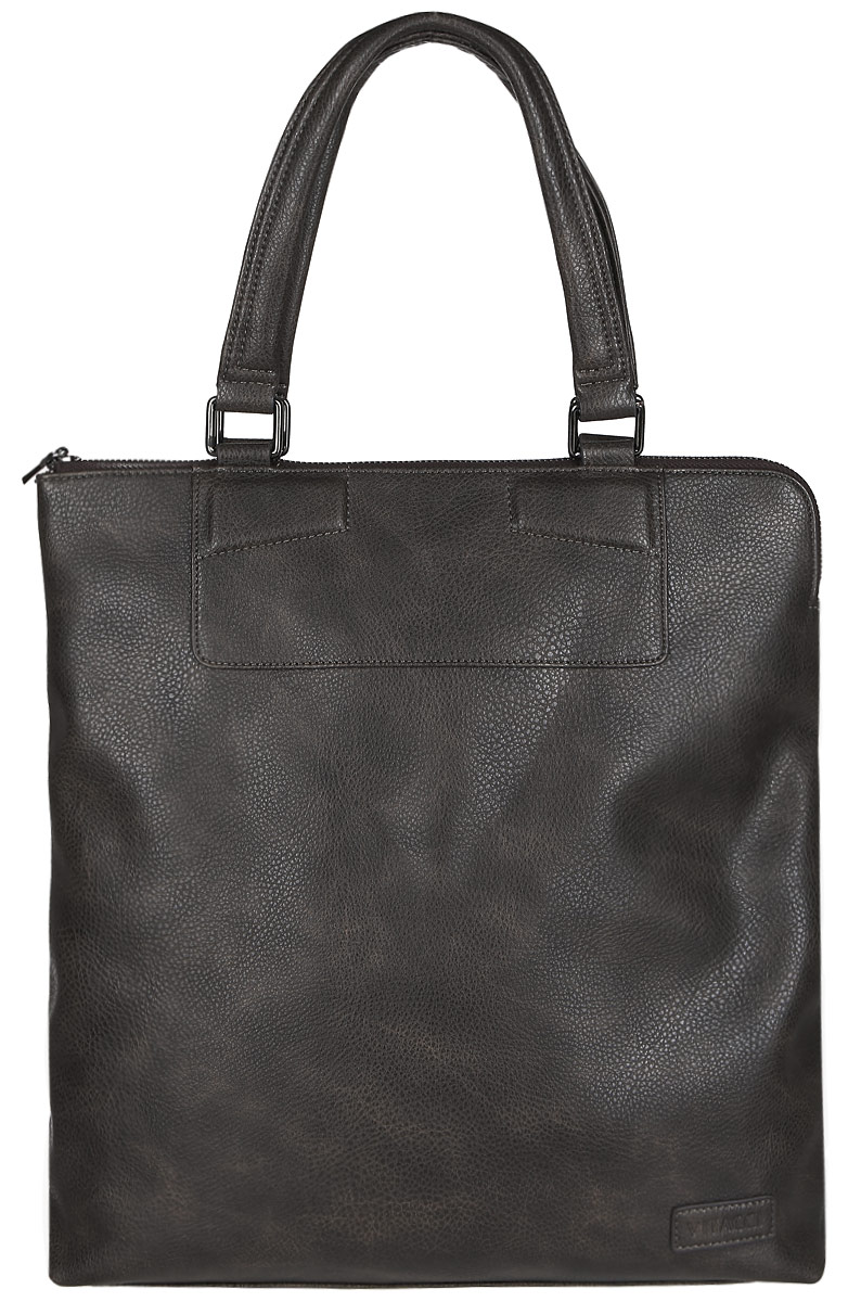 Сумка мужская Vitacci, цвет: коричневый. MW056A-B86-05-CСтильная мужская сумка Vitacci идеально подойдет под ваш образ. Она выполнена из качественной искусственной кожи зернистой текстуры. Изделие оформлено нашивкой с названием бренда. На тыльной стороне сумки расположен вшитый карман на молнии. Внутри расположено вместительное отделение, которое включает в себя один вшитый карман на молнии, открытый карман для мелочей и накладной открытый карман.Такая модная и удобная сумка станет незаменимым аксессуаром в вашем гардеробе.