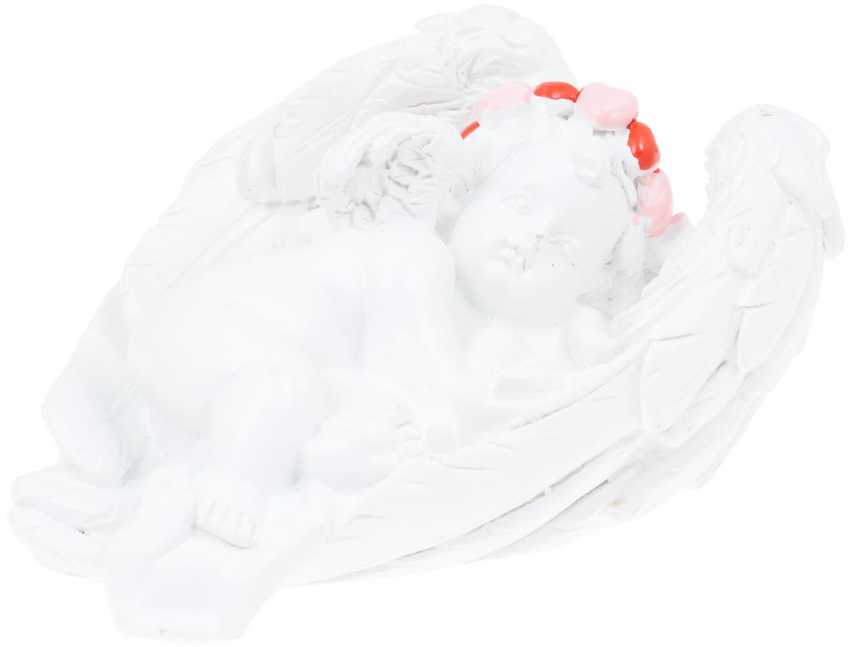 Фигурка декоративная Феникс-Презент Ангел на крыльях счастья, высота 3,5 смa030073Фигурка декоративная Феникс-Презент Ангел на крыльях счастья, выполненная из полирезины, станет оригинальным подарком для всех любителей необычных вещей. Она выполнена в классическом стиле в виде ангела в венке, лежащего на крыльях. Изысканный сувенир станет прекрасным дополнением к интерьеру. Вы можете поставить фигурку в любом месте, где она будет удачно смотреться и радовать глаз.