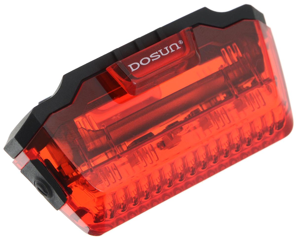 Задний габаритный фонарь Dosun Line LR2007292Задний габаритный фонарь Dosun Line LR200 сделает ваш велосипед более заметным в темное время суток и обеспечит безопасность на дороге. Предназначен для оповещения водителей о движущемся транспортном средстве. Изделие имеет прочный водонепроницаемый корпус, устойчивый к царапинам. Яркий светодиод мощностью 3 лм работает в 3 режимах: сильное освещение, слабое освещение, мигание. Благодаря силиконовым креплениям фонарь с легкостью крепится к раме велосипеда без специальных инструментов. Он быстро устанавливается и также быстро снимается при необходимости. Фонарь работает от 1 батарейки типа ААА (входит в комплект). Диаметр штанги: 18-50 мм.