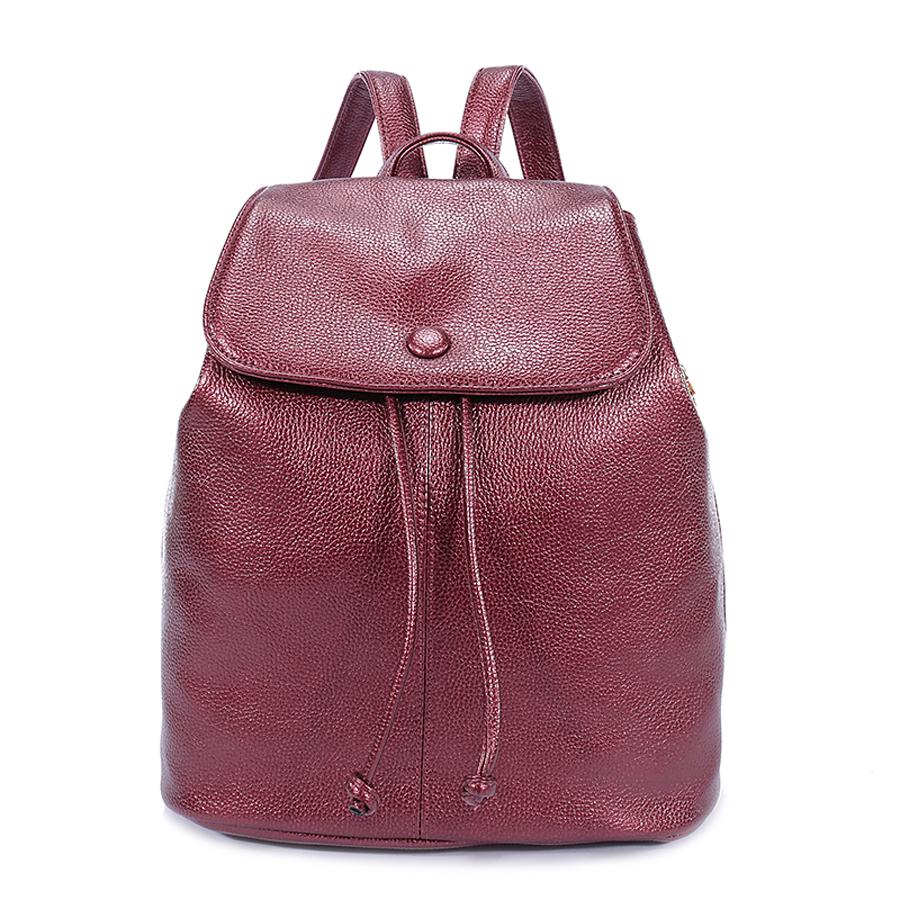Рюкзак женский Orsa Oro, цвет: марсала. D-179/30KV996OPY/MСтильный женский рюкзак Orsa Oro выполнен из экокожи с зернистой фактурой. Изделие с клапаном на застежках-завязках дополнено металлической застежкой-кнопкой. Задняя и боковые стороны оформлены врезными карманами на молнии. Внутри изделие содержит два накладных кармана и один врезной карман на молнии. Рюкзак оснащен удобными плечевыми лямками регулируемой длины, а также петлей для подвешивания.