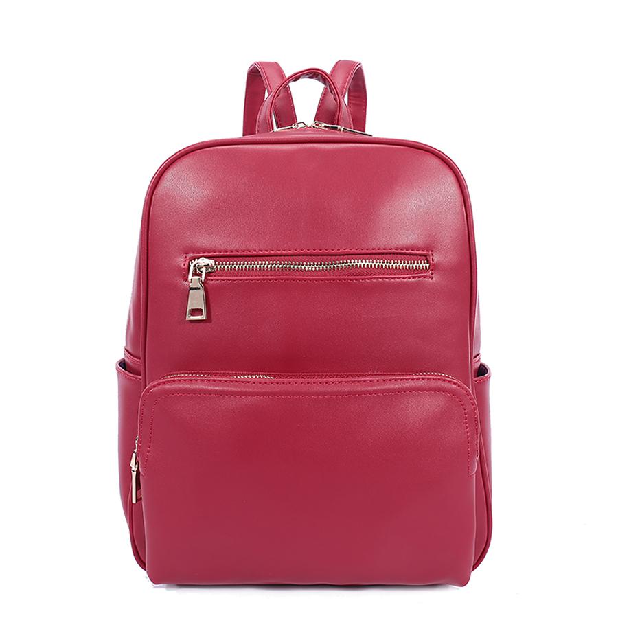 Рюкзак женский Orsa Oro, цвет: красный. D-184/25S76245Стильный женский рюкзак Orsa Oro выполнен из экокожи. Модель с одним отделением застегивается на молнию. Передняя сторона оформлена объемным карманом на молнии и плоским карманом, боковые стороны - двумя объемными карманами, задняя сторона - прорезным карманом на молнии. Внутри изделие содержит 2 накладных кармана и прорезной карман на молнии. Рюкзак оснащен удобными плечевыми лямками регулируемой длины, а также петлей для подвешивания.