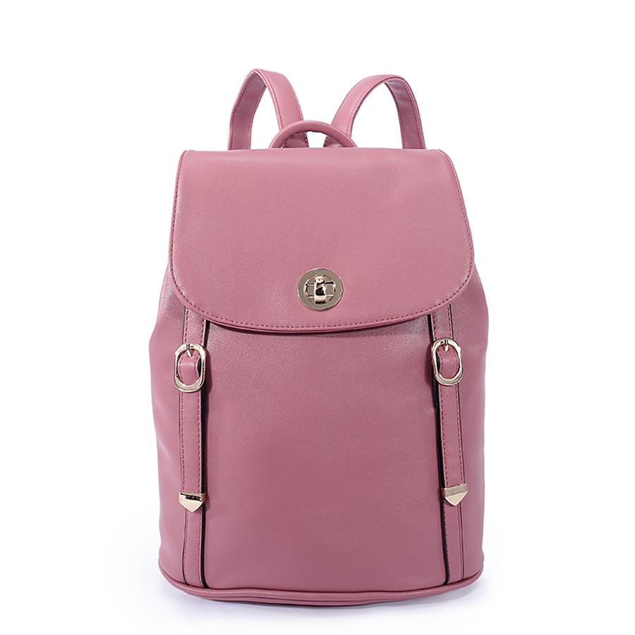 Рюкзак женский Orsa Oro, цвет: палево-розовый. D-185/313-47660-00504Стильный женский рюкзак Orsa Oro с одним отделением выполнен из экокожи. Изделие с клапаном застегивается на замок-вертушку и металлические кнопки. Задняя сторона оформлена прорезным карманом на молнии. Внутри изделие содержит два накладных кармана, карман под iPad и один прорезной карман на молнии. Рюкзак декорирован ремешками с металлическими пряжками и наконечниками, оснащен удобными плечевыми лямками регулируемой длины, а также петлей для подвешивания.