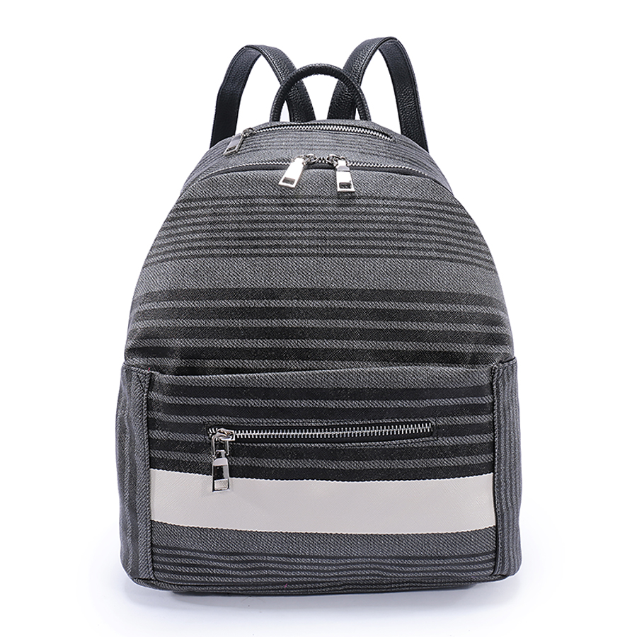 Рюкзак женский Orsa Oro, цвет: серый, темно-серый. D-187/60ML597BUL/DСтильный женский рюкзак Orsa Oro выполнен из экокожи и оформлен принтом в полоску. Модель с одним отделением застегивается на молнию с двумя бегунками. Верху под ручкой, на передней и задней стороне располагаются прорезные карманы на молнии. Внутри изделие содержит 2 накладных кармана и прорезной карман на молнии. Рюкзак декорирован ремешками с металлическими пряжками, оснащен удобными плечевыми лямками регулируемой длины, а также петлей для подвешивания.
