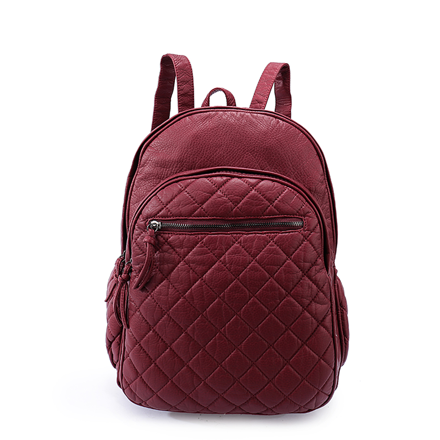 Рюкзак женский Ors Oro, цвет: марсала. D-193/30101225Рюкзак OrsOro выполнен из высококачественной искусственной кожи зернистой текстуры. Изделие оснащено двумя ручками для переноски иподвешивания. Также сумка имеет удобные лямки, длину которых можно изменять с помощью пряжек. На лицевой стороне расположен один небольшой объемный карман на молнии и вшитый карман на молнии под клапаном с магнитной кнопкой. На тыльной стороне расположен вшитый карман на молнии. Изделие закрывается с помощью молнии. Внутри расположено главное отделение, которое содержит одиннебольшой карман на молнии и один открытый карман для мелочей.