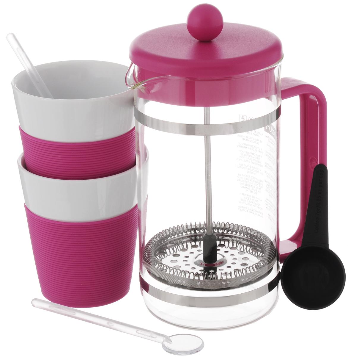 Набор кофейный Bodum Bistro, цвет: розовый, прозрачный, белый, 6 предметов. AK1508VT-1520(SR)Кофейный набор Bodum Bistro состоит из чайника френч-пресса, 2 стаканов, 2 ложек и мерной ложки. Френч-пресс выполнен из высококачественного жаропрочного стекла, нержавеющей стали и пластика. Френч-пресс - это заварочный чайник, который поможет быстро приготовить вкусный и ароматный чай или кофе. Металлический нержавеющий фильтр задерживает чайные листочки и частички зерен кофе. Засыпая чайную заварку или кофе под фильтр, заливая горячей водой, вы получаете ароматный напиток с оптимальной крепостью и насыщенностью. Остановить процесс заваривания легко, для этого нужно просто опустить поршень, и все уйдет вниз, оставляя сверху напиток, готовый к употреблению. Элегантные стаканы выполнены из высококачественного фарфора и оснащены резиновой вставкой, защищающей ваши руки от высоких температур. Ложки изготовлены из пластика. Яркий и стильный набор украсит стол к чаепитию и станет чудесным подарком к любому случаю. Изделия можно мыть в посудомоечной машине.Объем френч-пресса: 1 л. Диаметр френч-пресса (по верхнему краю): 10 см. Высота френч-пресса: 21,5 см. Объем стакана: 300 мл. Диаметр стакана по верхнему краю: 8,5 см. Высота стакана: 10 см. Длина мерной ложки: 10 см.Длина ложек: 14 см.