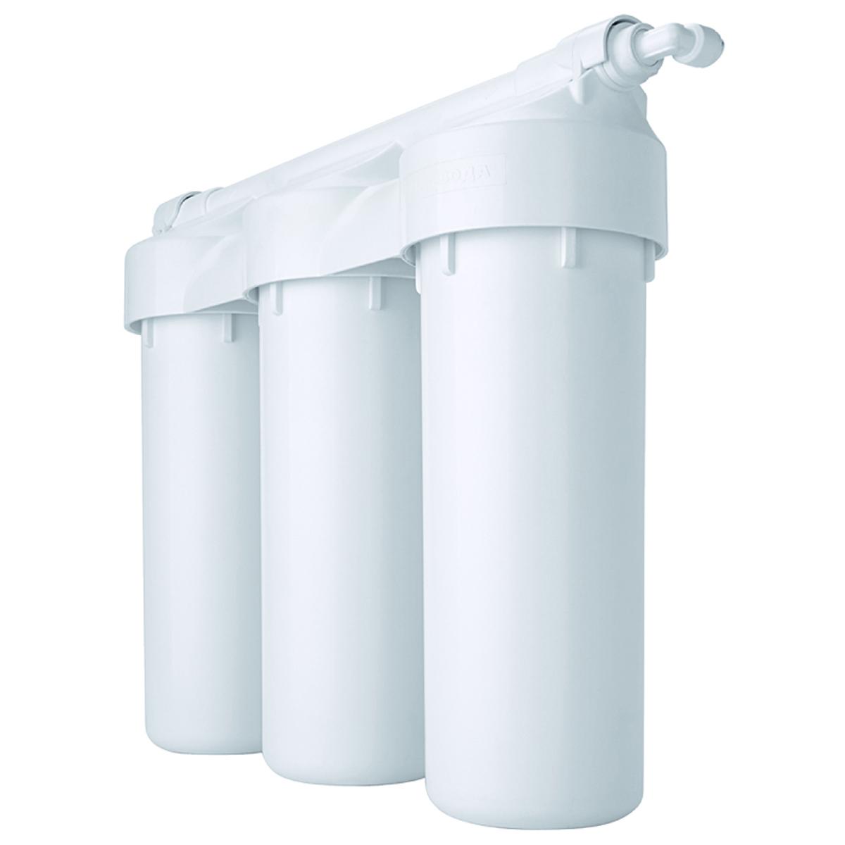 Водоочиститель Prio Praktic. EU305, с защитой от перепадов давления68/5/4В новой линейке Praktic соединены проверенные временем традиционные решения на базе стандартных 10-дюймовых картриджей с современными техническими решениями 21 века и немецкими технологиями от компании Prio®.Фильтры серии Praktic превосходно очищают водопроводную воду от всех самых опасных загрязнений, в том числе хлора и хлорной органики, механических примесей, канцерогенов, тяжелых металлов и т.д., улучшают вкус воды, устраняют посторонние запахи. В результате воду можно пить без кипячения, готовить на её основе еду и напитки даже для грудных детей.Ключевые особенности фильтров серии Praktic, выгодно отличающие их от большинства систем других производителей:- благодаря армированному корпусу и увеличенному количеству витков резьбы в местах соединения - выдерживают максимальное ударное давление до 28 атм, 100 тыс гидроударов (по методике тестирования целостности согласно NSF 58)- цельнолитая «голова» исключает вероятные протечки в местах соединения- гасители гидроудара на входе и выходе повышают надежность в процессе эксплуатации- улучшенная засыпка картриджей от ведущих поставщиков США, Индонезии и Германии гарантирует прекрасное качество очистки на протяжении всего срока службы- гарантия 2 года- все заявленные показатели подтверждены независимым тестированием НИИ СантехникиТолько фильтры Praktic от компании Prio имеют уникальную возможность - расширяемость постфильтрами из старшей линейки Expert® (добавление 4-й, 5-й и т.д. ступеней очистки, в том числеультрафильтрации,шунгитаи др.), а также апгрейд до системы обратного осмоса с сохранением ранее вложенных инвестиций.Не зря данная серия фильтров -самое популярное решение для очистки водопроводной воды в квартире. Стандартизированные картриджи, простая схема подключения, широкий выбор моделей, недорогое и простое обслуживание делают данные фильтры прекрасным выбором.Производство в России на современном оборудовании под контролем немецких инжен
