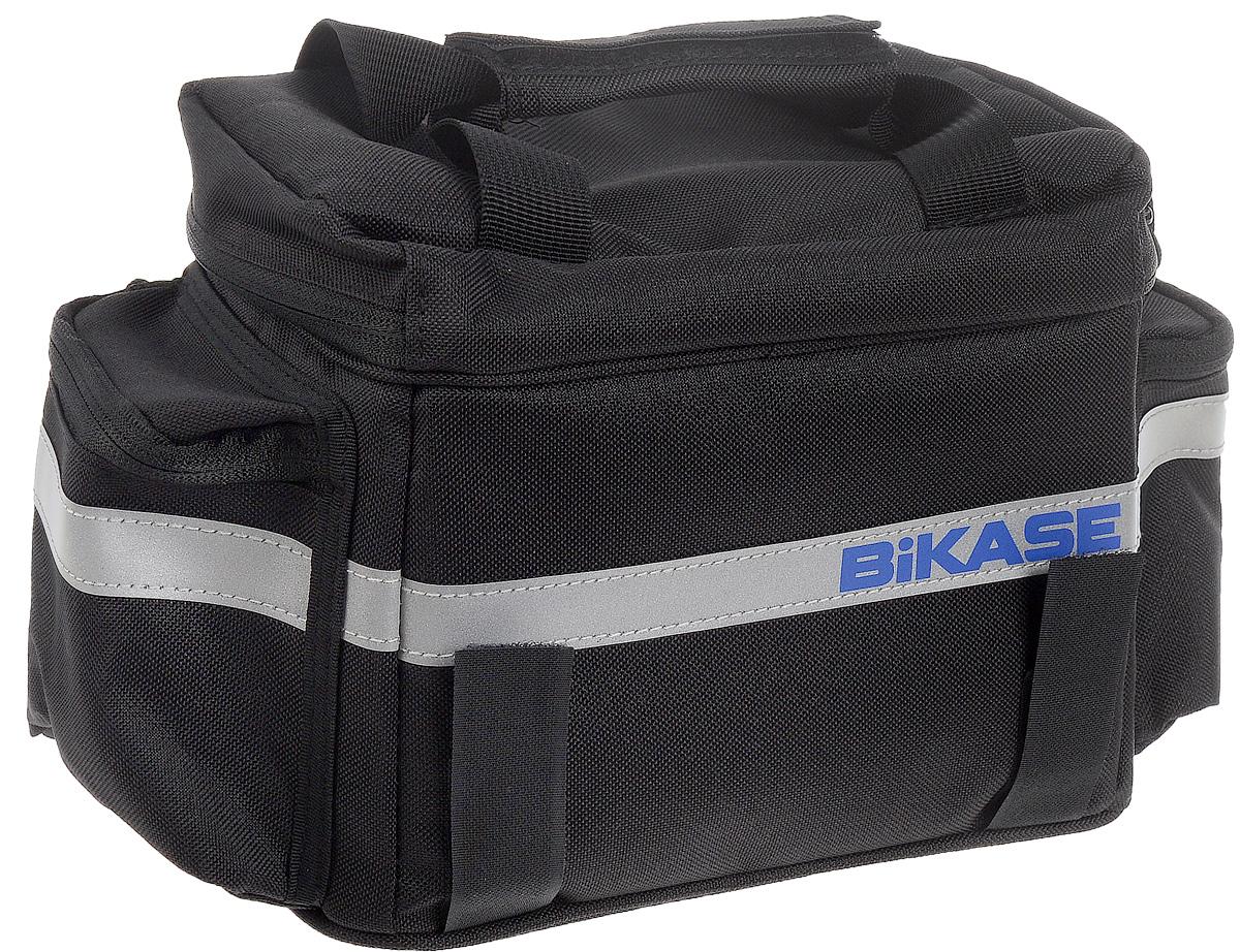 Термосумка на багажник велосипеда BiKase KoolPAK, 33 х 20 х 16 смRivaCase 8460 blackТермосумка BiKase KoolPAK предназначена для размещения на багажнике или руле велосипеда. Термоизоляционный материал сохраняет температуру внутри сумки. Изделие крепится при помощи ремней на липучках. Внутри имеется одно вместительное отделение. Сумка оснащена ручкой для переноски, светоотражающими вставками и двумя внешними боковыми карманами.