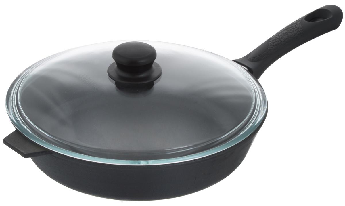 Сковорода чугунная Добрыня с крышкой. Диаметр 28 смЧУГ00000563Сковорода Добрыня изготовлена из натурального экологически безопасного чугуна. Изделие оснащено пластиковой ручкой и стеклянной крышкой. Чугун является одним из лучших материалов для производства посуды. Его можно нагревать до высоких температур. Он очень практичный, не выделяет токсичных веществ, обладает высокой теплоемкостью и способен служить долгие годы. Такая сковорода замечательно подойдет для приготовления жареных и тушеных блюд. Подходит для всех типов плит, включая индукционные. Сковороду мыть только вручную. Крышку можно использовать в посудомоечной машине. Высота стенки: 6 см.Длина ручки: 19 см.