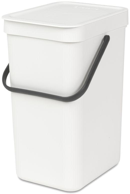 Ведро для мусора Brabantia Sort & Go, цвет: белый, 12 л109782Ведро для мусора Brabantia Sort & Go можно использовать для раздельного сбора любых домашних отходов, например, бутылок, банок или пластиковой упаковки. Большая ручка и удобный захват снизу позволяют удобно освободить ведро от мусора.Идеальное решение для раздельного сбора домашних отходов. Может использоваться на полу или крепиться к стене – в комплект входит настенный держатель. Имеются идеально подходящие по размеру мешки Brabantia PerfectFit с завязками (размер C) – удобно устанавливаются в ведро. Имеются идеально подходящие по размеру биоразлагаемые мешки для компостируемых отходов (размер С) – удобно устанавливаются в ведро.