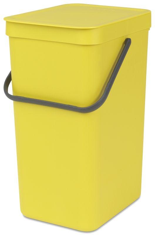 Ведро для мусора Brabantia Sort & Go, цвет: желтый, 16 лLT58-81_жёлтыйЭти 16-литровые ведра можно использовать для раздельного сбора любых домашних отходов, например, бутылок, банок или пластиковой упаковки. Большая ручка и удобный захват снизу позволяют удобно освободить ведро от мусора. Идеальное решение для раздельного сбора домашних отходов. Может использоваться на полу или крепиться к стене – в комплект входит настенный держатель; Имеются идеально подходящие по размеру мешки Brabantia PerfectFit с завязками (размер D) – удобно устанавливаются в ведро; Гарантия 10 лет