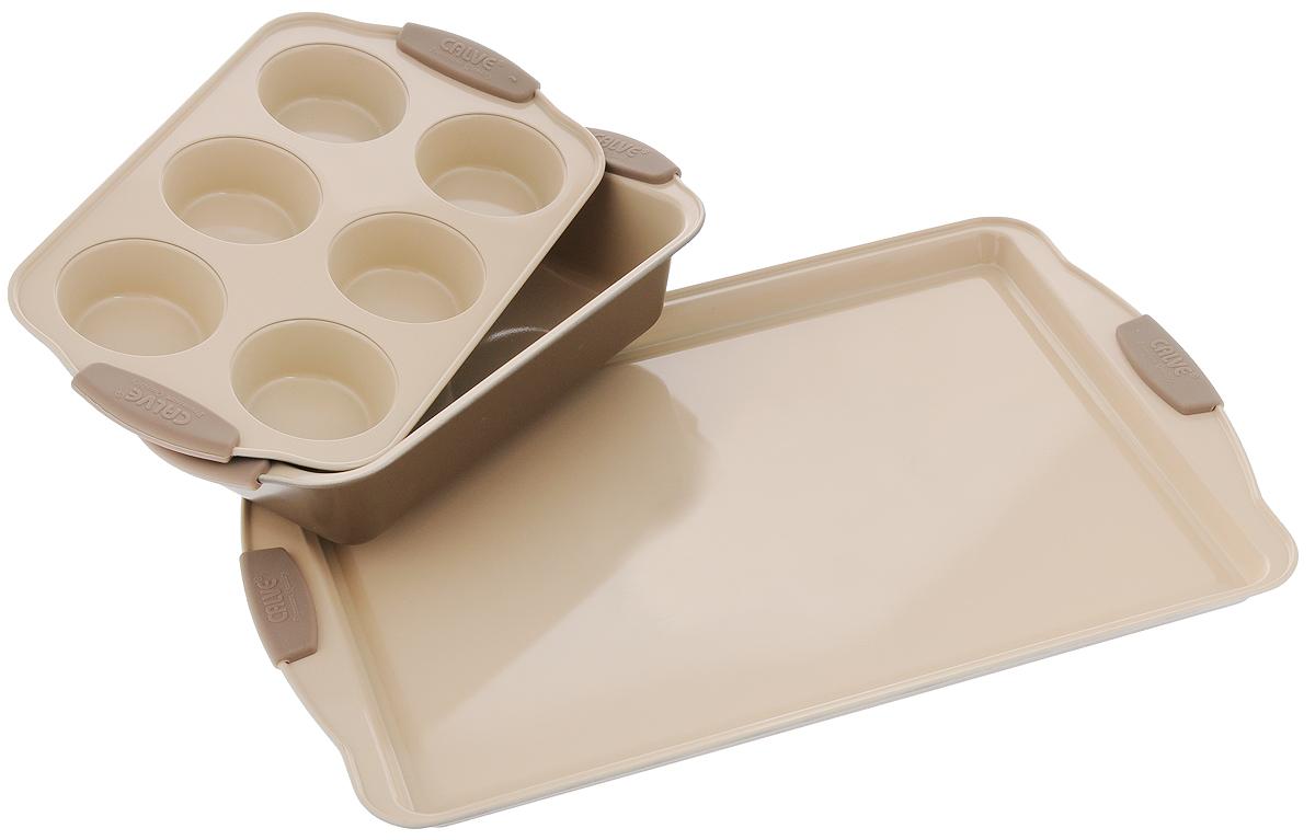 Набор для выпечки Calve, 3 предмета. CL-4629115510Набор для выпечки Calve состоит из прямоугольного противня, формы для кексов с 6 ячейками и прямоугольной формы для выпечки. Изделия выполнены из высококачественной углеродистой стали с внутренним керамическим покрытием CERA-MATE и силиконовыми ручками. Пища в таких формах не пригорает и не прилипает к стенкам, готовые блюда легко вынимаются. Износостойкая конструкция обеспечивает долгий срок службы.Формы можно использовать в духовом шкафу при температуре до 260°С, а также мыть в посудомоечной машине. Размер противня: 44 х 30 х 2 см.Размер формы для кексов: 30,5 х 18 х 3,5 см.Диаметр ячейки для кекса: 7 см.Размер прямоугольной формы для выпечки: 29 х 15 х 6 см.