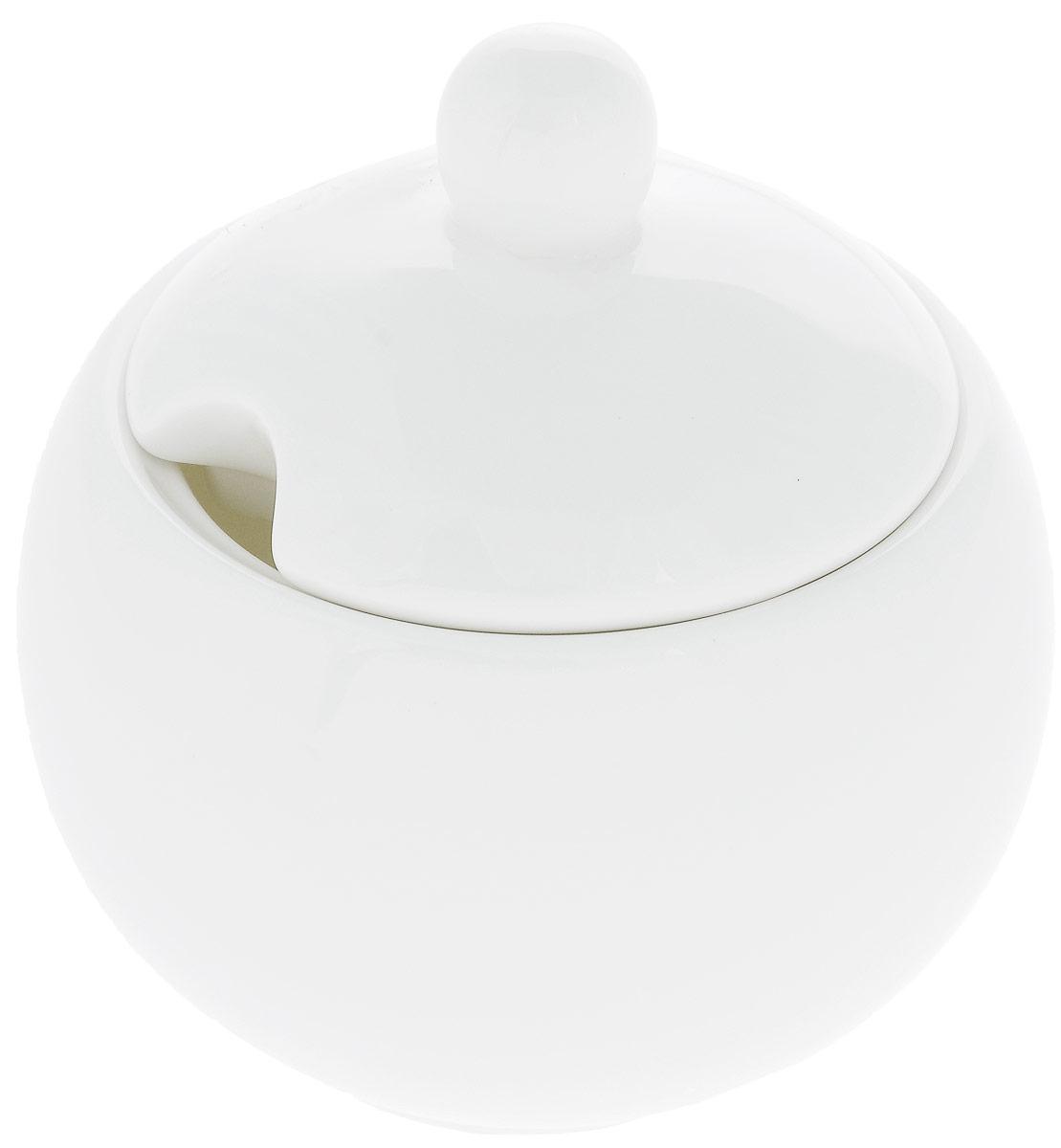 Сахарница Wilmax, 325 млVT-1520(SR)Сахарница Wilmax выполнена из высококачественного фарфора с глазурованным покрытием.Изделие имеет элегантную форму и может использоваться в качестве креманки. Десерт, поданный в такой посуде, будет ещё более сладким. Сахарница Wilmax станет отличным дополнением к сервировке семейного стола и замечательным подарком для ваших родных и друзей.Можно мыть в посудомоечной машине и использовать в микроволновой печи. Диаметр (по верхнему краю): 8 см. Высота (без учета крышки): 7 см.