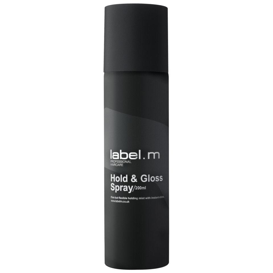 Label.m Спрей Фиксация и Блеск Hold and Gloss Spray, 200 мл721203Label.M Hold Gloss Spray Спрей Фиксация и Блеск. В спрей входят многие природные микроэлементы, экстракт Ацеролы, масло авокадо и комплекс Enviroshield, они помогут эффективно и очень быстро разгладить абсолютно любые волосы, при этом достигается антиоксидантный эффект, и позволяют получить контроль над вашей укладкой. Лёгкая и не жирная структура спрея, позволяет великолепно подходить ему абсолютно для любых волос и текстуры, при этом причёска получит невероятный блеск. А витамин В5, позволяет хорошо кондиционировать и смягчить волосы. Это уникальное средство хорошо сохраняет влагу и защищает волосы от плохого влияния окружающей среды.Этот спрей позволит вам совместить укладку и уход за волосами. Спрей позволит вам надёжно сохранит любую прическу, а также защитит их от потери влаги. С ним причёска будет всегда великолепно выглядеть, и сиять жизненной энергией.