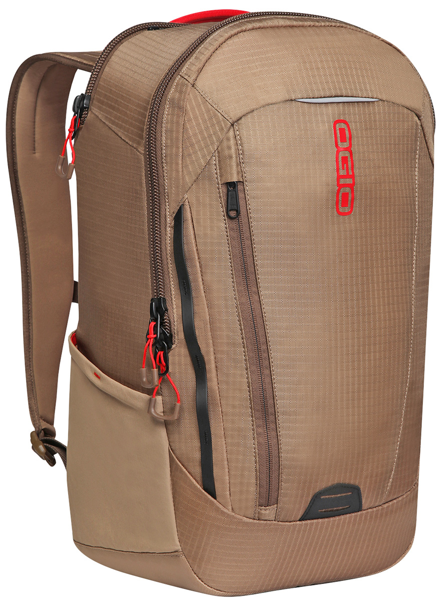 Рюкзак городской OGIO Apollo Pack, цвет: коричневый, красный, 20 л29957-2Рюкзак OGIO Apollo Pack разработан для ярких и модных людей! Он позволит вам взять с собой все необходимое.Этот рюкзак достаточно вместительный, благодаря чему у вас есть возможность взять с собой множество необходимых вещей, и при этом совсем не громоздкий. Множество специализированных карманов помогают распределить вещи в рюкзаке наиболее оптимальным способом, а современный дизайн и отличный внешний вид дополнят ваш образ. OGIO - высокотехнологичный продукт от американского производителя. Вместимые сумки для путешествий, работы и отдыха, специальная коллекция городских сумок для женщин, жесткие боксы под мелкий инвентарь и многое другое.Объем: 20 л.