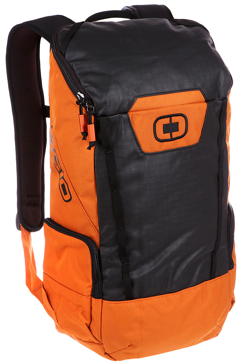 Рюкзак городской OGIO Clutch Pack, цвет: оранжевый, 21 лBP-001 BKЛегкий и вместительный рюкзак OGIO Clutch Pack с приятным дизайном разработан для ярких и модных людей! Он позволит вам взять с собой все необходимое. Имеется специализированный мягкий отсек для ноутбука, оставляя пространство для других вещей,снаружи предусмотрены боковые карманы, которые будут полезны для хранения фотоаппарата, зарядки или других полезных аксессуаров. Удобные регулируемые лямки с дополнительным нагрудным ремнем помогут равномерно распределить нагрузку.OGIO - высокотехнологичный продукт от американского производителя. Вместимые сумки для путешествий, работы и отдыха, специальная коллекция городских сумок для женщин, жесткие боксы под мелкий инвентарь и многое другое.Объем рюкзака: 21 л.