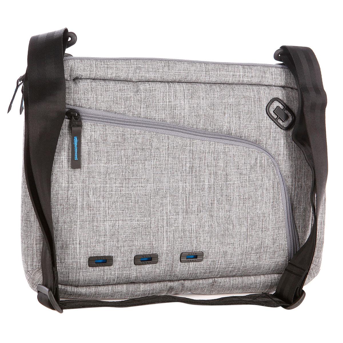 Сумка для ноутбука Ogio Newt Slim Case, цвет: серый, 10 лГризлиOGIO – высокотехнологичный продукт от американского производителя. Вместимые сумки для путешествий, работы и отдыха, специальная коллекция городских сумок для женщин, жесткие боксы под мелкий инвентарь и многое другое. Идеальная сумка для походов по траектории дом-офис или офис-кофейня, но можно и изменить маршрут, потому что, в любом случае, в New Slim можно всегда удобно и безопасно переносить 15-дюймовый ноутбук, планшет, документы и все остальные необходимые мелочи и гаджеты.
