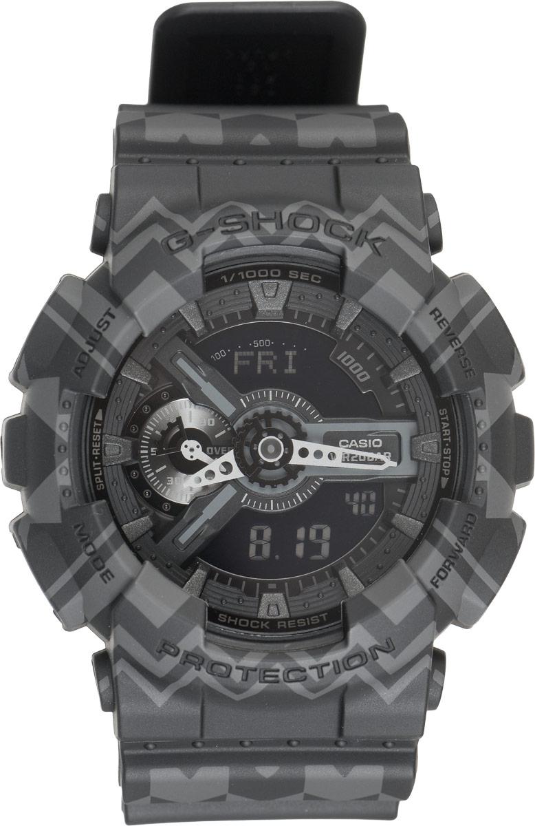 Часы наручные мужские Casio G-Shock, цвет: черный, серый. GA-110TP-1ABM8434-58AEКрупные функциональные часыG-Shock от Casio лимитированной серии Tribal Pattern Series в ретро-стиле 70-х подчеркнут активную жизненную позицию своего обладателя. Ударопрочная конструкция защищает механизм от ударов и вибрации. Изделие защищено от магнитных полей. Корпус часов выполнен из высококачественного пластика и оснащен минеральным стеклом, устойчивым к возникновению царапин. Ремешок также выполнен из пластика, декорирован треугольным этническим узором и оснащен надежной классической застежкой с двойным шипом. Циферблат подсвечивается светодиодом, а умная и приятная функция автоподсветки освещает циферблат при повороте часов к лицу. Изделие оснащено кварцевым механизмом с двойной цифро-аналоговой индикацией при помощи многофункциональных стрелок и на жидкокристаллическом дисплее и имеет степень водозащиты равную 200WR, что отлично подходит для погружения под воду с аквалангом. Среди удобных функций также имеется секундомер с точностью показаний 1/100 с и временем измерения 1000 ч, таймер обратного отсчета от 1мин до 24ч и 5 ежедневных будильников, устанавливаемых на определенное время, один из которых обладает функцией повтора сигнала. Часы G-Shock продвинуты не только своими функциями и технологиями, но и своим уникальным дизайном. Модель выделяетсяизысканным дизайном, сочетая в себе привычный спортивный стиль и одновременно классический. Поэтому часы G-Shock - это еще и модный аксессуар, который можно носить, как повседневно, так и по особым случаям.