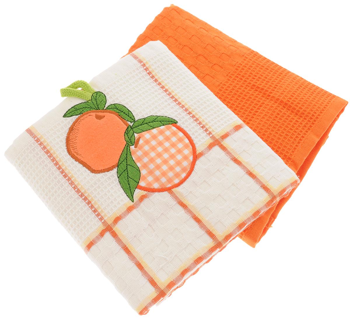 Набор кухонных полотенец Bonita Апельсин, цвет: белый, терракот, 45 х 70 см, 2 шт1004900000360Набор кухонных полотенец Bonita Апельсин состоит из двух полотенец, изготовленный из натурального хлопка, идеально дополнит интерьер вашей кухни и создаст атмосферу уюта и комфорта. Одно полотенце белого цвета в терракотовую клетку оформлено вышивкой в виде апельсинов и оснащено петелькой. Другое полотенце однотонное терракотового цвета без вышивки. Изделия выполнены из натурального материала, поэтому являются экологически чистыми. Высочайшее качество материала гарантирует безопасность не только взрослых, но и самых маленьких членов семьи. Современный декоративный текстиль для дома должен быть экологически чистым продуктом и отличаться ярким и современным дизайном.