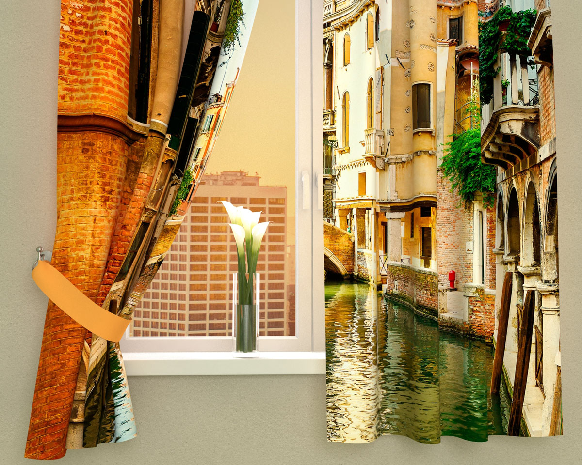 Комплект фотоштор Сирень Солнечный день в Венеции, на ленте, высота 160 смSVC-300Фотошторы для кухни Сирень Солнечный день в Венеции, выполненные из габардина (100% полиэстера), отлично дополнят украшение любого интерьера. Особенностью ткани габардин является небольшая плотность, из-за чего ткань хорошо пропускает воздух и солнечный свет. Ткань хорошо держит форму, не требует специального ухода. Крепление на карниз при помощи шторной ленты на крючки. В комплекте 2 шторы. Ширина одного полотна: 145 см.Высота штор: 160 см.Рекомендации по уходу: стирка при 30 градусах, гладить при температуре до 110 градусов.Изображение на мониторе может немного отличаться от реального.Подхваты в комплект не входят.