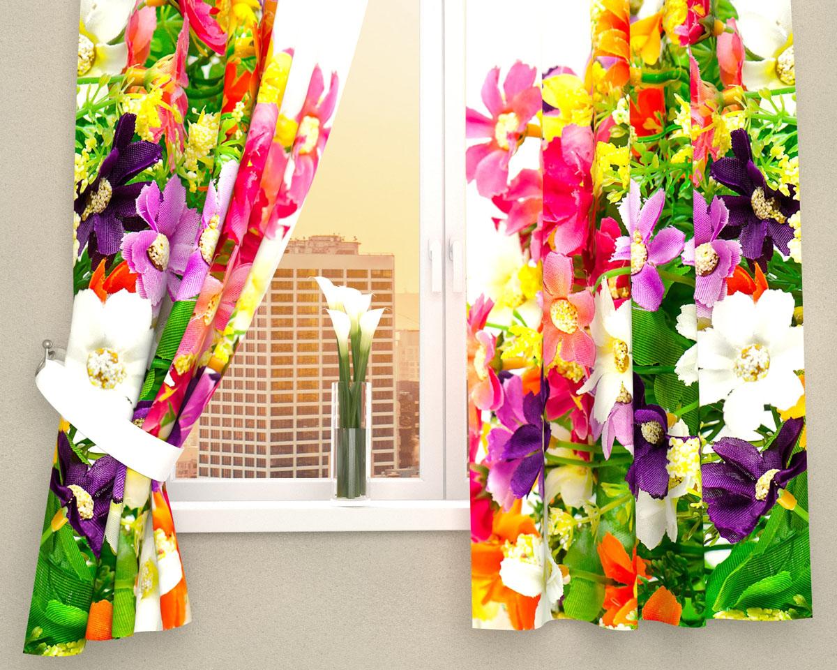 Комплект фотоштор Сирень Весенние полевые цветы, на ленте, высота 160 смSVC-300Фотошторы для кухни Сирень Весенние полевые цветы, выполненные из габардина (100% полиэстера), отлично дополнят украшение любого интерьера. Особенностью ткани габардин является небольшая плотность, из-за чего ткань хорошо пропускает воздух и солнечный свет. Ткань хорошо держит форму, не требует специального ухода. Крепление на карниз при помощи шторной ленты на крючки. В комплекте 2 шторы. Ширина одного полотна: 145 см.Высота штор: 160 см.Рекомендации по уходу: стирка при 30 градусах, гладить при температуре до 110 градусов.Изображение на мониторе может немного отличаться от реального.Подхваты в комплект не входят.