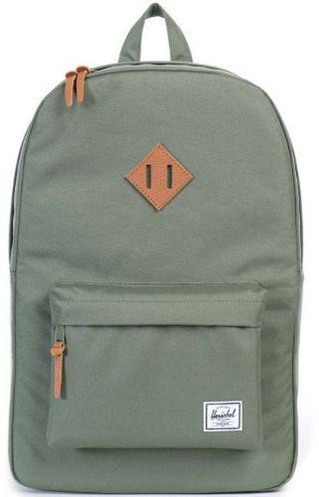 Рюкзак городской Herschel Heritage, цвет: зеленый, коричневый, 21,5 лRivaCase 7560 redРюкзак Herschel Heritage целиком и полностью оправдывает свое название, выражая совершенство в лаконичных и идеальных линиях. Этот рюкзак создан для любых целей и поездок и отлично впишется в абсолютно любой стиль. Основное отделение закрывается на застежку-молнию. Внешняя сторона дополнена накладным карманом на застежке-молнии. Лямки регулируются, что позволяет менять положение рюкзака на спине.