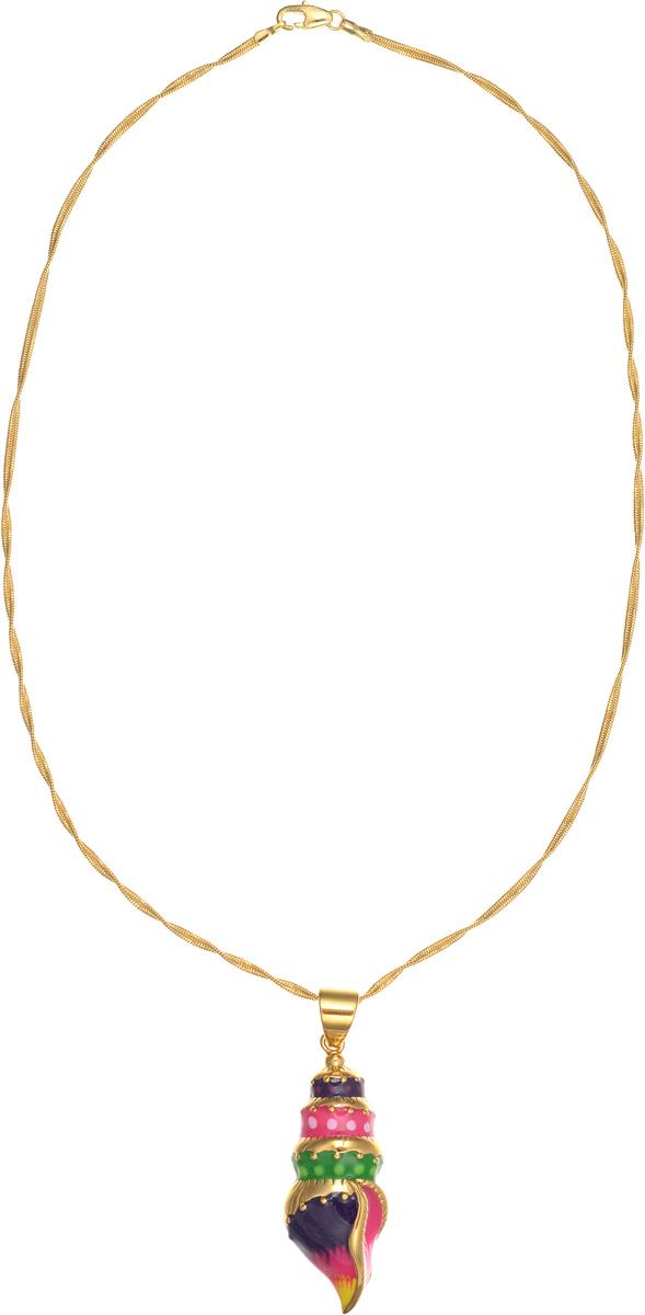Колье Arabesca. 1008433139890|Колье (короткие одноярусные бусы)Оригинальное колье Arabesca, выполненное из металла с гальваническим покрытием золотом, оформлено подвеской в виде морской раковины. Подвеска покрыта цветной эмалью. Колье придаст вашему образу изюминку, подчеркнет красоту и изящество вечернего платья или преобразит повседневный наряд. Такое колье позволит вам с легкостью воплотить самую смелую фантазию и создать собственный, неповторимый образ. Характеристики: Материал: металл, эмаль. Покрытие: гальваническая позолота. Длина цепочки: 27 см.Размер подвески: 5,5 см х 1,7 см х 1 см. Артикул: 10084331.