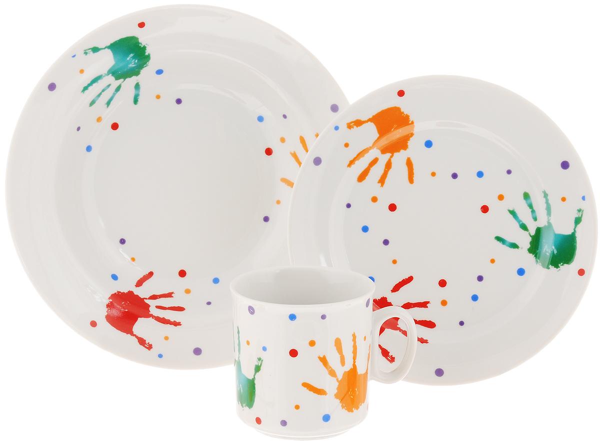 Набор детской посуды Идиллия. Ладошки, 3 предмета115010Набор детской посуды Идиллия. Ладошки, выполненный из высококачественного фарфора, состоит из кружки, обеденной тарелки и глубокой тарелки. Материал изделий нетоксичен и безопасен для детского здоровья. Изделия оформлены изображением ладошек. Детская посуда удобна и увлекательна, она не оставит равнодушным вашего малыша. Привычная еда станет более вкусной и приятной, если процесс кормления сопровождать игрой и сказками. Красочная посуда является залогом хорошего настроения и аппетита ваших детей, а также станет желанным подарком. Диаметр обеденной тарелки: 16,5 см. Диаметр глубокой тарелки: 19,5 см. Высота глубокой тарелки: 4 см. Объем кружки: 200 мл. Диаметр кружки (по верхнему краю): 7,5 см. Высота кружки: 7,5 см.