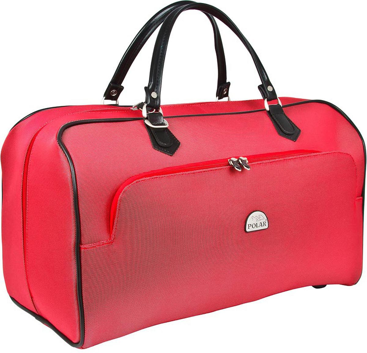Сумка дорожная Polar, цвет: красный, 47 л. 7051П2053-08Стильная дорожная сумка Polar выполнена из кордура. Сумка имеет одно вместительное отделение, закрывающееся на двухстороннюю застежку-молнию. Стенки и дно - жесткие. Внутри - один большой карман на молнии. Снаружи - большой карман на молнии. Ручки отделаны искусственной кожей. В комплекте есть съемный, регулируемый плечевой ремень.