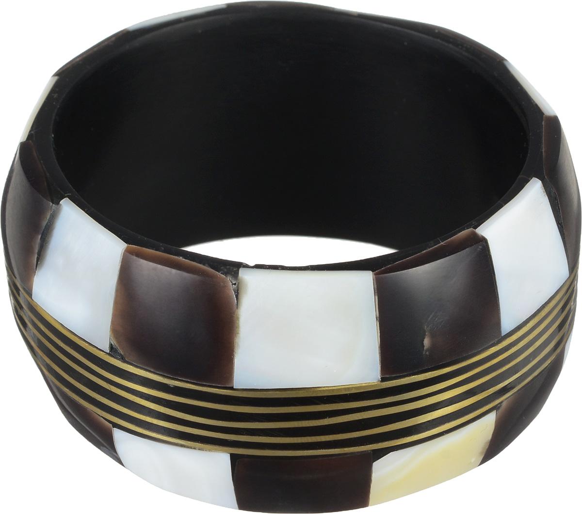Браслет Mindora. 40050810Глидерный браслетОригинальный браслет Mindora выполнен из пальмового дерева и декорирован ракушкой. Такой браслет позволит вам с легкостью воплотить самую смелую фантазию и создать собственный, неповторимый образ. Характеристики:Материал: пальмовое дерево, ракушка. Диаметр браслета: 6 см. Ширина браслета: 4 см.