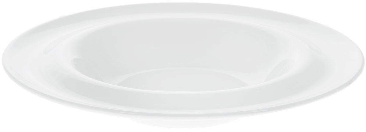 Тарелка глубокая Wilmax, диаметр 25,5 см. WL-991023 / A54 009312Тарелка глубокая Wilmax изготовлена из высококачественного фарфора. Материал легкий, тонкий, свет без труда проникает сквозь изделие. Тарелка имеет роскошную белизну, гладкость и блеск достигаются за счет особой рецептуры глазури. Изделие обладает низкой водопоглощаемостью, высокой термостойкостью и ударопрочностью, а также экологичностью. Посуда долговечна и рассчитана на постоянное интенсивное использование. Глубокая тарелка предназначена для подачи супов и других горячих и холодных первых блюд. Она подойдет не только для повседневного использования, но и может сослужить службу на праздничном столе. Можно мыть в посудомоечной машине и использовать в микроволновой печи.