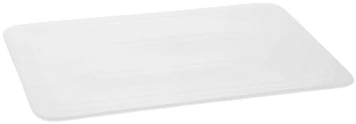 Блюдо Wilmax, прямоугольное, 30 х 19 см115610Блюдо Wilmax прямоугольной формы изготовлено из высококачественного фарфора с глазурованным покрытием. Материал легкий, тонкий, свет без труда проникает сквозь изделие. Посуда имеет роскошную белизну, гладкость и блеск достигаются за счет особой рецептуры глазури. Изделие обладает низкой водопоглощаемостью, высокой термостойкостью и ударопрочностью, а также экологичностью. Посуда долговечна и рассчитана на постоянное интенсивное использование. Гладкая непористая поверхность исключает проникновение бактерий, изделие не будет впитывать посторонние запахи и сохранит первоначальный цвет. Блюдо плоское, оно прекрасно подойдет для подачи различных блюд, например, закусок, нарезок, сладостей. Такое блюдо украсит ваш праздничный или обеденный стол, а оригинальный дизайн придется по вкусу и ценителям классики, и тем, кто предпочитает утонченность и изысканность.Можно мыть в посудомоечной машине и использовать в микроволновой печи.