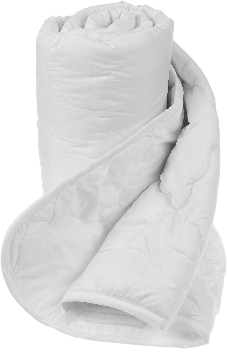 Одеяло Sova & Javoronok, облегченное, наполнитель: бамбук, цвет: белый, 140 х 205 см531-105Одеяло Sova & Javoronok Бамбук подарит комфорт и уют во время сна. Чехол, выполненный из микрофибры (100% полиэстера), оформлен стежкой и надежно удерживает наполнитель внутри. Волокно на основе бамбука - инновационный наполнитель, обладающий за счет своей пористой структуры хорошей воздухонепроницаемостью и высокой гигроскопичностью, обеспечивает оптимальный уровень влажности во время сна и создает чувство прохлады в жаркие дни.Антибактериальный эффект наполнителя достигается за счет содержания в нем специального компонента, а также за счет поглощения влаги, что создает сухой микроклимат, препятствующий росту бактерий. Основные свойства волокна: - хорошая терморегуляция, - свободная циркуляция воздуха, - антибактериальные свойства, - повышенная гигроскопичность, - мягкость и легкость, - удобство в эксплуатации и легкость стирки. Рекомендации по уходу: - Стирка запрещена. - Не отбеливать, не использовать хлоросодержащие моющие средства и стиральные порошки с отбеливателями.- Не выжимать в стиральной машине.- Чистка только с углеводородом, хлорным этиленом и монофтортрихлорметаном.