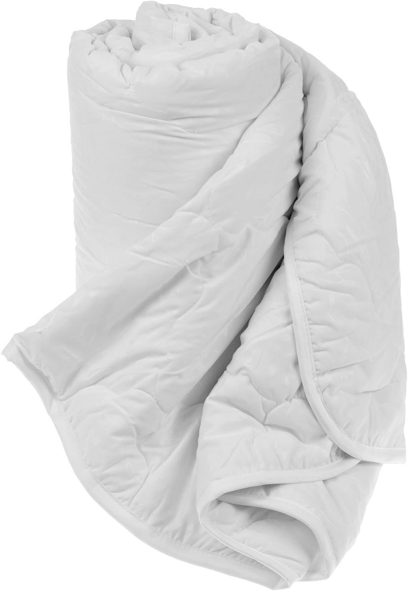 Одеяло Sova & Javoronok, наполнитель: эвкалипт, полиэфирное волокно, 200 х 220 см531-105Одеяло Sova & Javoronok подарит вам спокойный и комфортный сон. Чехол изделия выполнен из микрофибры (100% полиэстер), оформлен стежкой и надежно удерживает наполнитель внутри. Наполнитель одеяла изготовлен из 10% эвкалипта и 90% полиэфирного волокна. Эвкалиптовое волокно - это уникальный по своим свойствам материал. Он обеспечивает хорошую терморегуляцию, обладает воздухонепроницаемостью и гигроскопичностью, он ультрамягкий, натуральный и долговечный. Изделия с эвкалиптовым наполнителем очень мягкие, дарят свежесть, снимают усталость, восстанавливают энергетический баланс человека. Кроме того, эвкалиптовое волокно не создает благоприятной среды для развития патогенной микрофлоры, поэтому в нем не размножаются микробы и бактерии. Это свойство хорошо влияет на здоровье и самочувствие людей. В состав наполнителя добавлено полиэфирное волокно, которое не впитывает посторонних запахов и легко стирается. Рекомендации по уходу: - Стирка запрещена. - Не отбеливать, не использовать хлоросодержащие моющие средства и стиральные порошки с отбеливателями.- Не выжимать в стиральной машине.