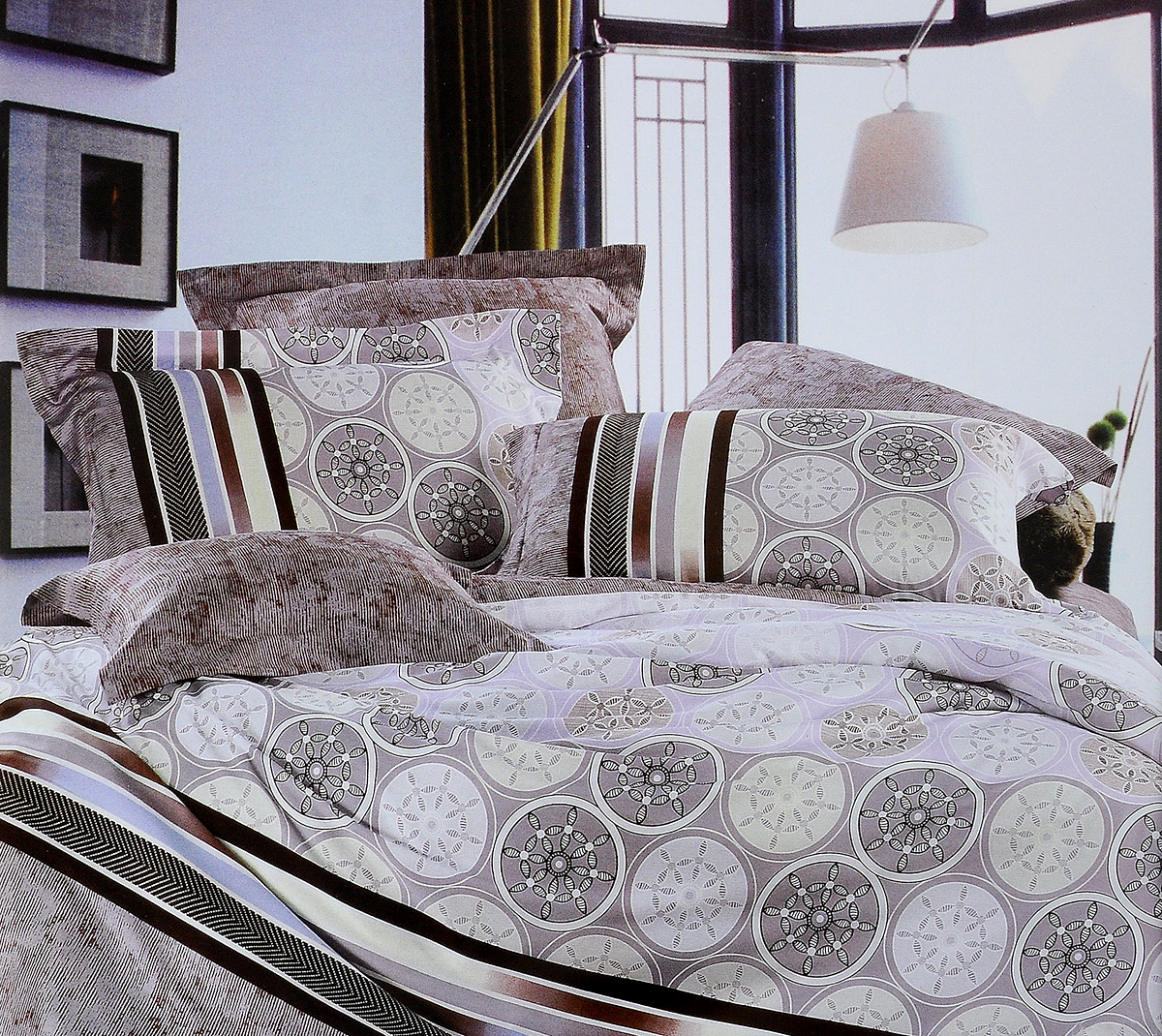 Комплект белья Tiffanys Secret Монако, евро, наволочки 70х70, цвет: кофейный391602Комплект белья Tiffanys Secret Монако, выполненный из сатина (100% хлопка), состоит из пододеяльника, простыни и двух наволочек.Сатин производится из высших сортов хлопка, а своим блеском, легкостью и на ощупь напоминает шелк. Такая ткань рассчитана на 200 стирок и более. Постельное белье из сатина превращает жаркие летние ночи в прохладные и освежающие, а холодные зимние - в теплые и согревающие. Благодаря натуральному хлопку, комплект постельного белья из сатина приобретает способность пропускать воздух, давая возможность телу дышать. Одно из преимуществ материала в том, что он практически не мнется и ваша спальня всегда будет аккуратной и нарядной..Приобретая комплект постельного белья Tiffanys Secret Монако, вы можете быть уверенны в том, что покупка доставит вам и вашим близким удовольствие и подарит максимальный комфорт.