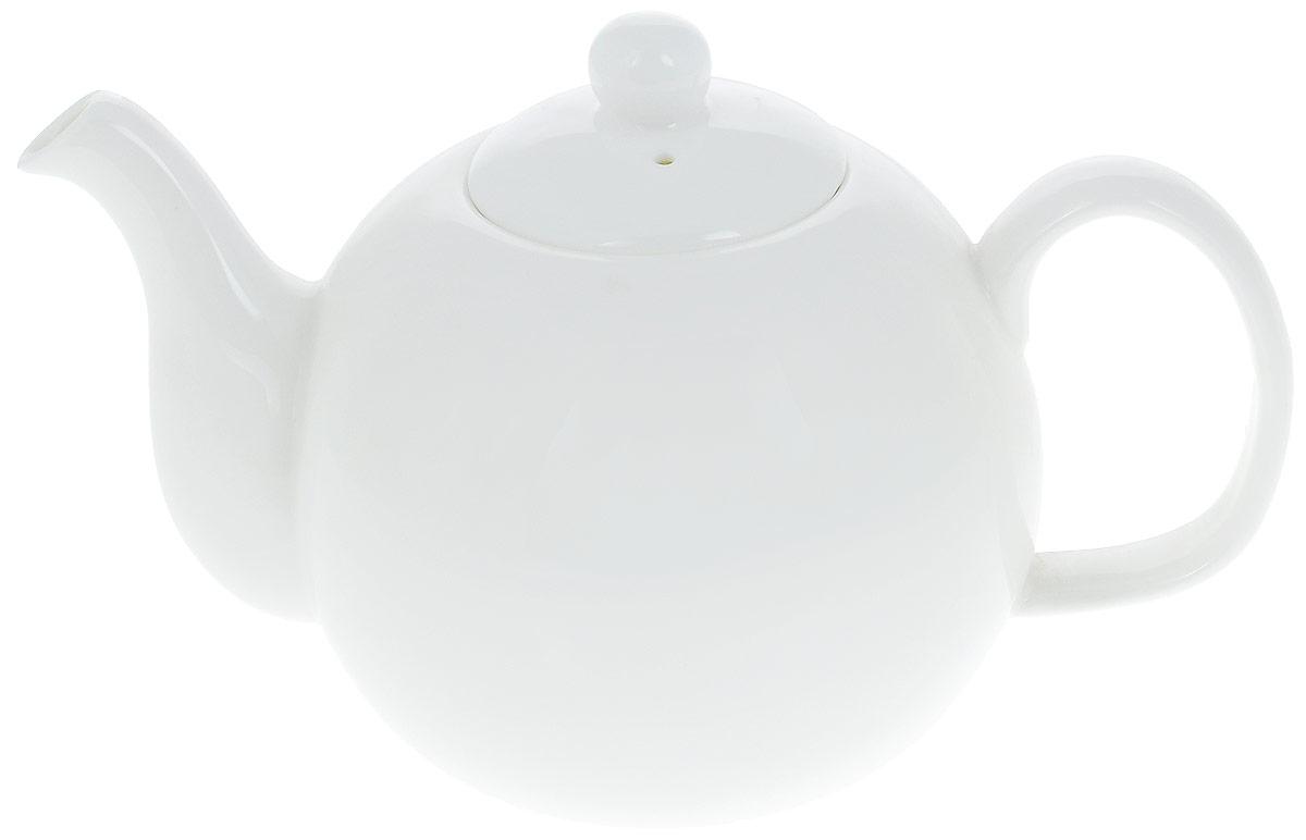 Чайник заварочный Wilmax, 1,1 л. WL-994016 / 1C54 009312Заварочный чайник Wilmax изготовлен из высококачественного фарфора. Глазурованное покрытие обеспечивает легкую очистку. Изделие прекрасно подходит для заваривания вкусного и ароматного чая, а также травяных настоев. Отверстия в основании носика препятствует попаданию чаинок в чашку. Оригинальный дизайн сделает чайник настоящим украшением стола. Он удобен в использовании и понравится каждому.Можно мыть в посудомоечной машине и использовать в микроволновой печи. Диаметр чайника (по верхнему краю): 6 см. Высота чайника (без учета крышки): 10,5 см. Высота чайника (с учетом крышки): 13,5 см.