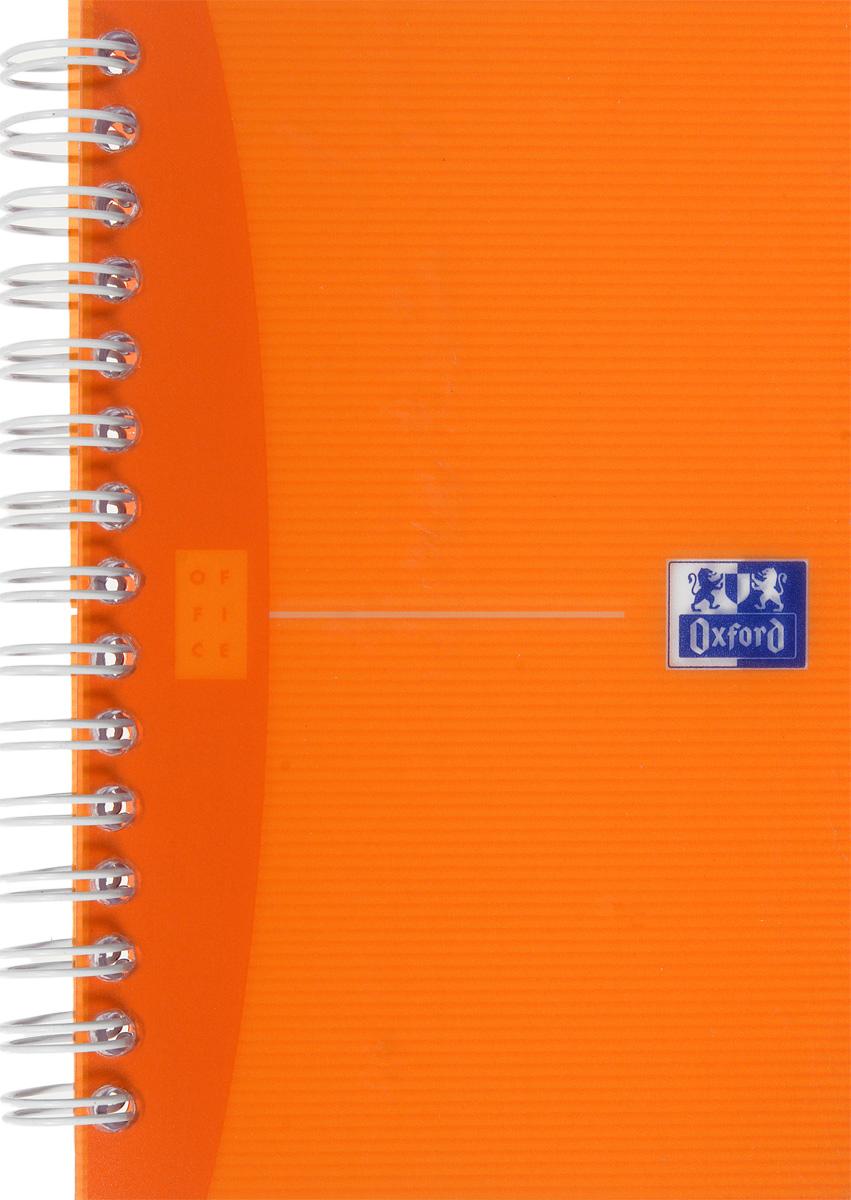 Oxford Тетрадь My Colours 90 листов в клетку цвет оранжевый817833_оранжевыйСтильная практичная тетрадь Oxford My Colours отлично подойдет для офиса и учебы. Тетрадь формата 90х140 мм состоит из 90 белых листов с четкой яркой линовкой в клетку. Обложка тетради выполнена из плотного полупрозрачного полипропилена. Двойная спираль надежно удерживает листы.Также тетрадь имеет скругленные углы.