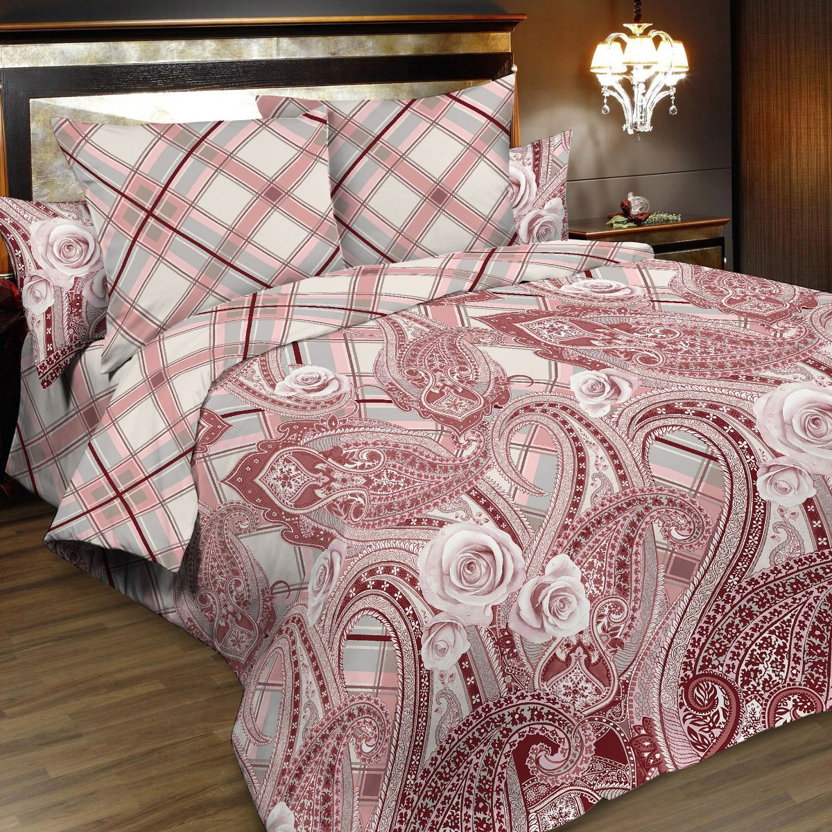 Комплект белья Letto, 2-спальный, наволочки 70х70, цвет: розовый. B169-4B165-4Серия Letto «Традиция» выполнена из классической российской бязи, привычной для большинства российских покупательниц. Ткань плотная (125гр/м), используются современные устойчивые красители. Традиционная российская бязь выгодно отличается от импортных аналогов по цене, при том, что сама ткань и толще, меньше сминается и служит намного дольше. Рекомендуется перед первым использованием постирать, но не пересушивать. Применение кондиционера при стирке сделает такое постельное белье мягче и комфортней. Пододеяльник на молнии. Обращаем внимание, что расцветка наволочек может отличаться от представленной на фото.