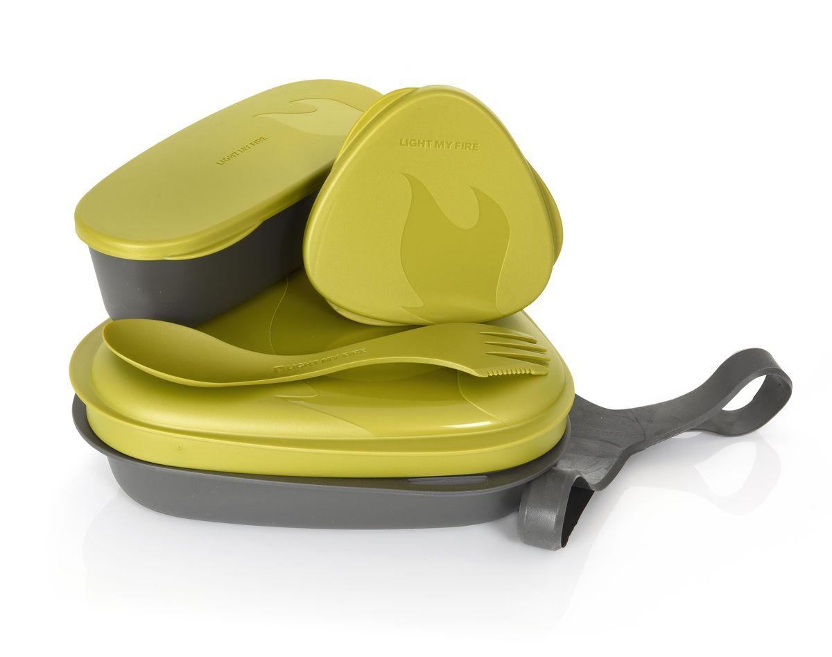Контейнер для еды с набором посуды Light My Fire LunchKit, цвет: золотистый, 5 предметов41375610Набор включает в себя: 2 тарелки,ловилка Spork O, герметичную коробочку с мерной шкалой SnapBox original, герметичную коробочку c мерной шкалой SnapBox oval, удерживающий резиновый ремешок.Набор можно мыть в посудомоечной машине, использовать для разогрева пищи.