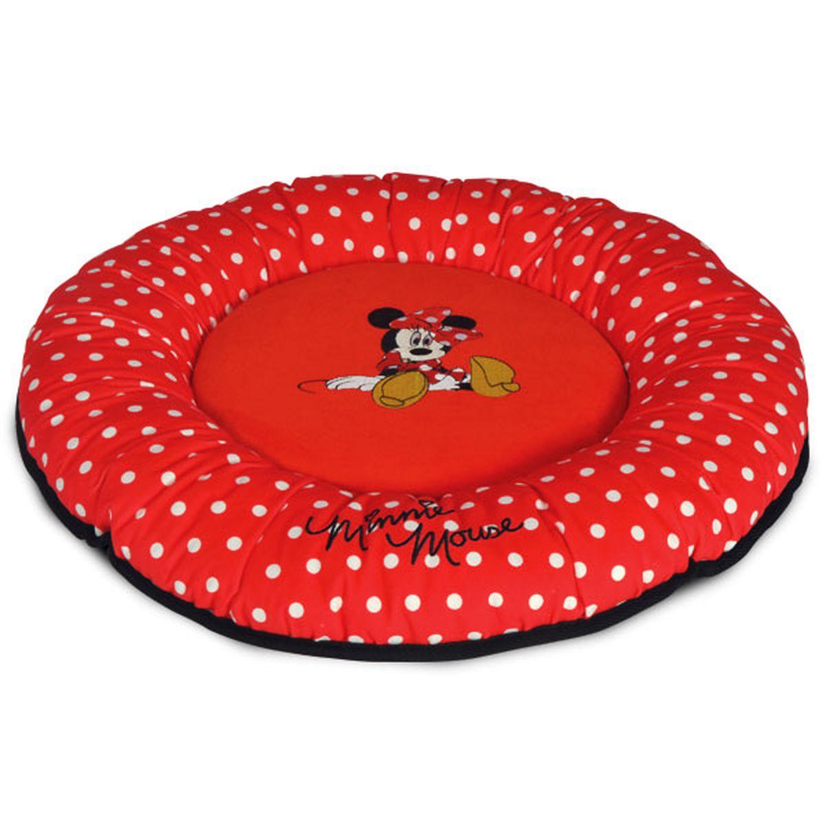 Лежанка Triol Disney Minnie-2, 50 х 50 х 7 см10012042Лежанка из мягкого велюра с изображением известного персонажа DISNEY Minnie. Яркая и нарядная, модная во все времена ткань в горошек. Дно выполнено из водонепроницаемой ткани черного цвета. Этот тип лежанок рекомендуется собачкам и кошкам, которые любят спать или валяться, вытянув лапы, - она не имеет высокого бортика, стесняющего свободу движения питомца. Лежанка поставляется в полипропиленовом пакете на молнии с веревочными ручками, который в дальнейшем удобно использовать для хранения. Компактная складная лежанка с покрытием из мягкого велюра с изображением известного персонажа DISNEY. Дно выполнено из водонепроницаемой ткани.
